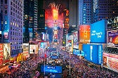 Picture of the crowded streets of time square on new years